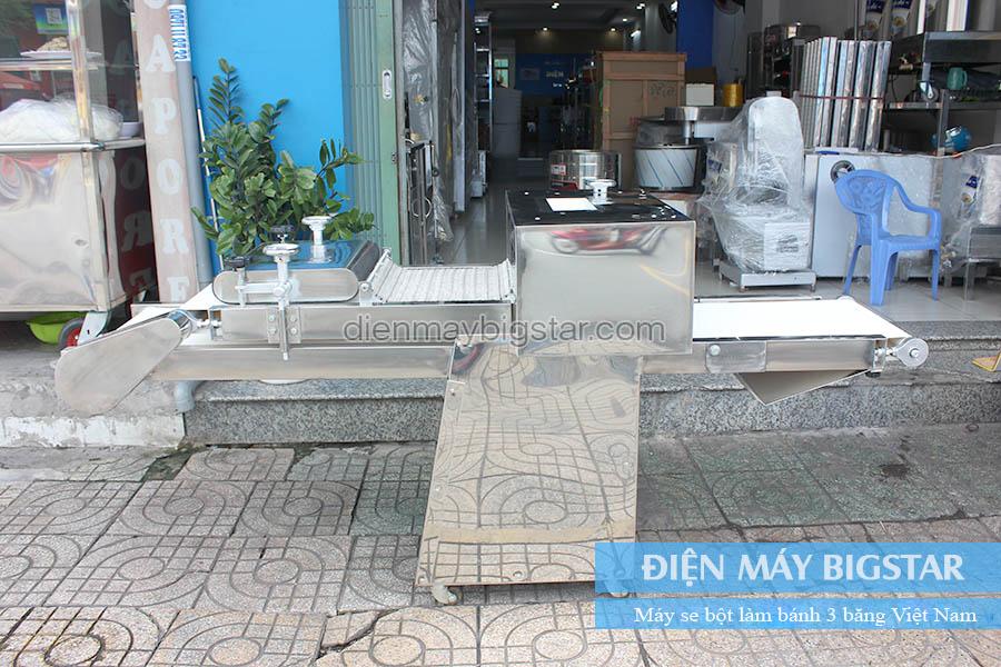 Máy se bột làm bánh 3 băng Việt Nam